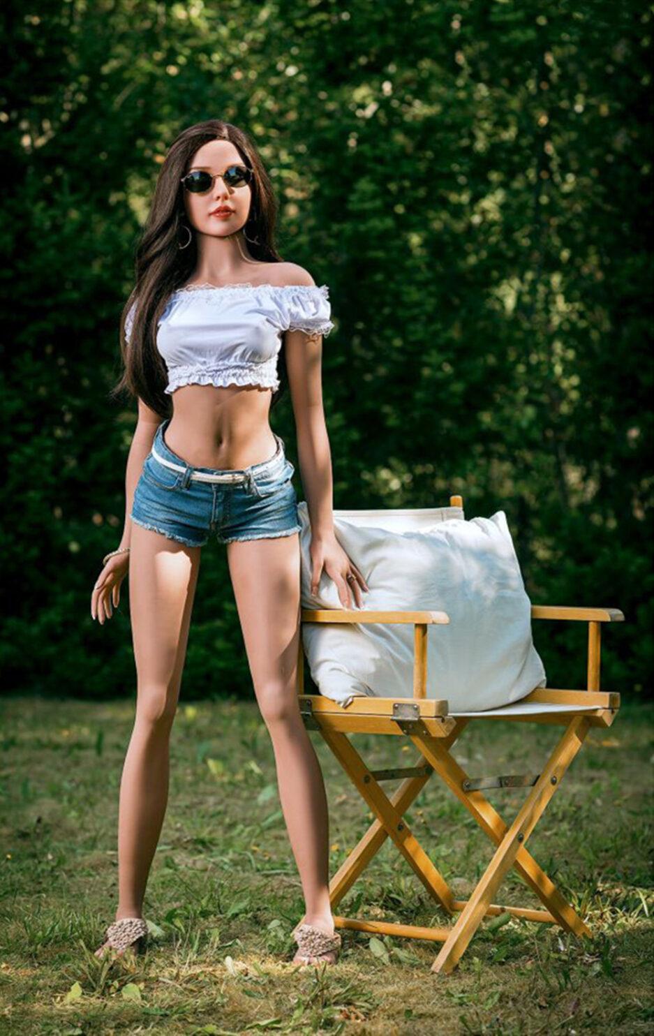 Sex Doll In Skinny Jeans