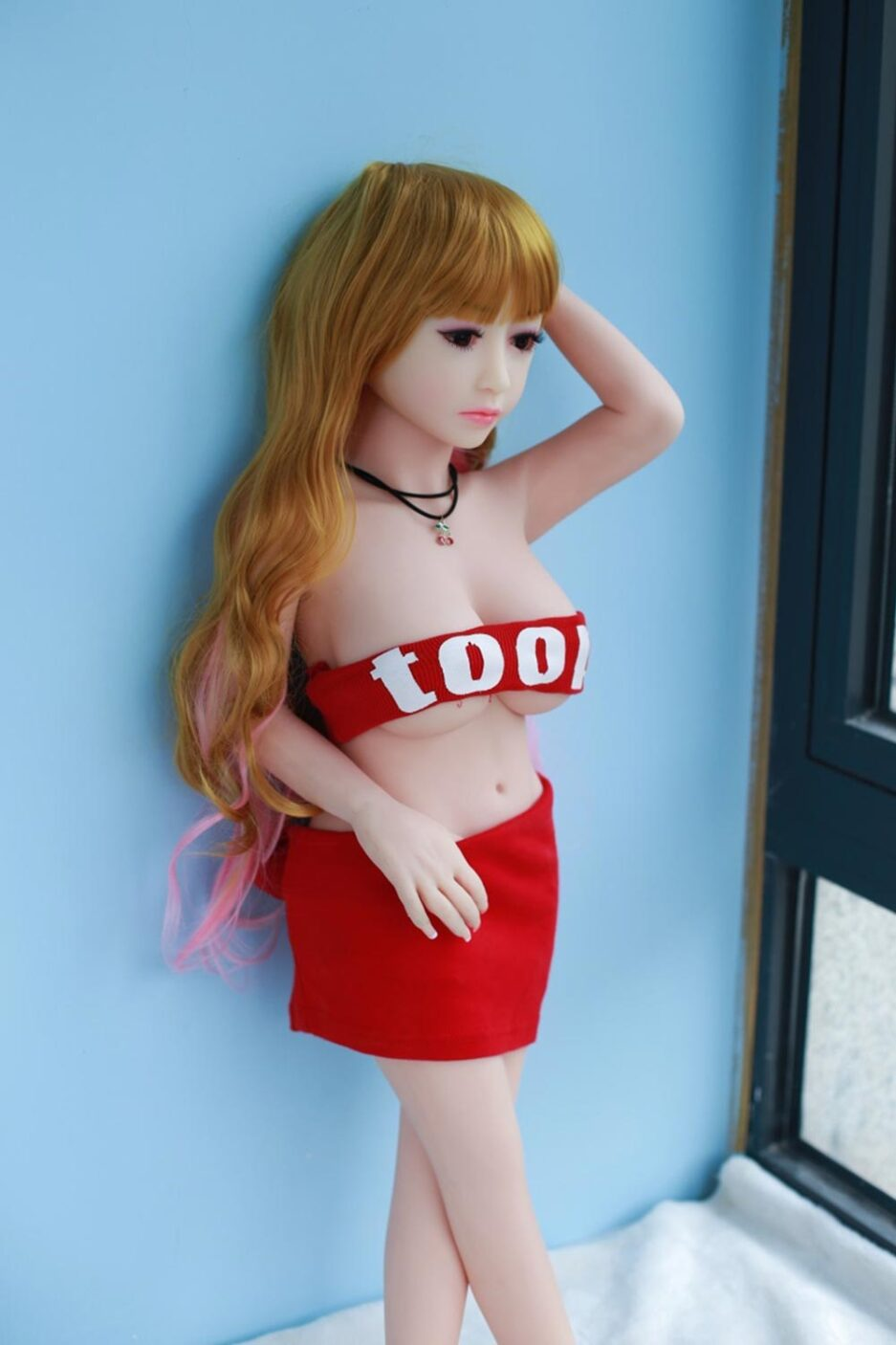 sex-doll-in-the-middle-of-her-head