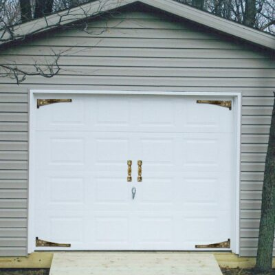 Garage for hiding the life size sex doll
