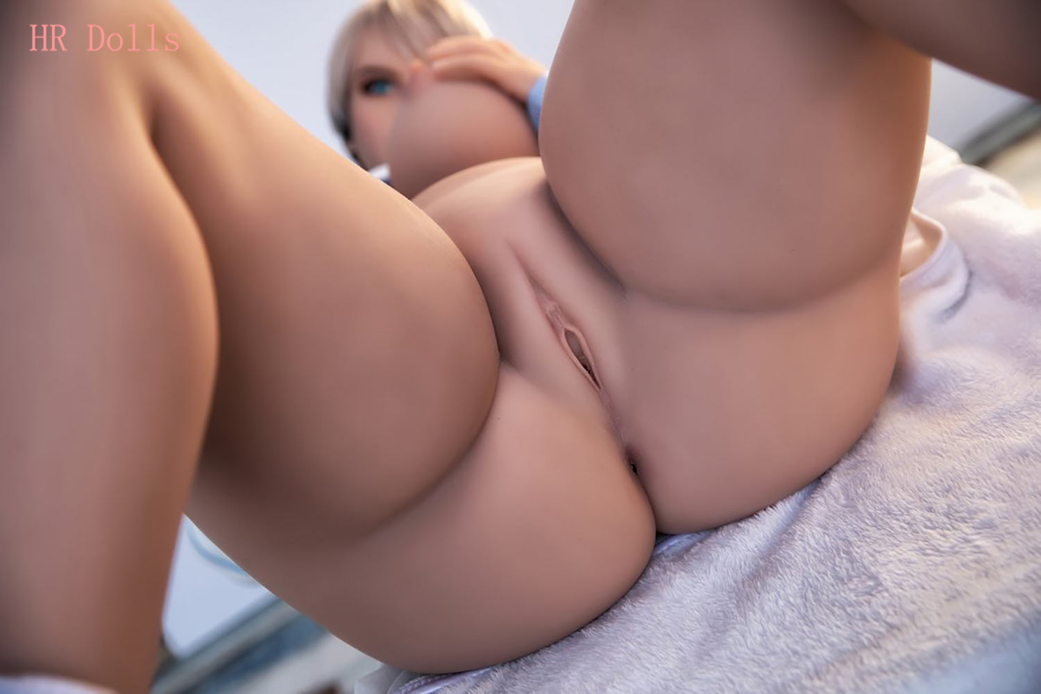 Big breasted sex doll that can clearly see the vagina