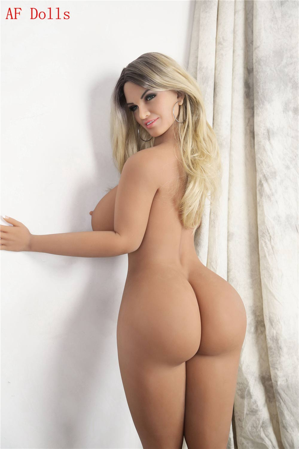 Big breasted sex doll with big ass