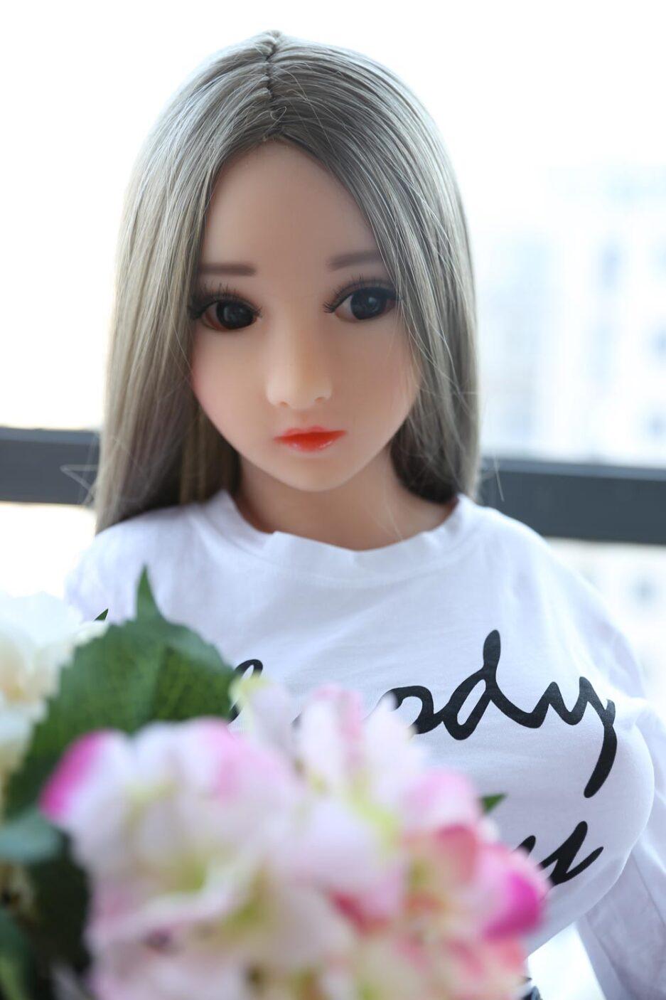 Mini sex doll with big eyes