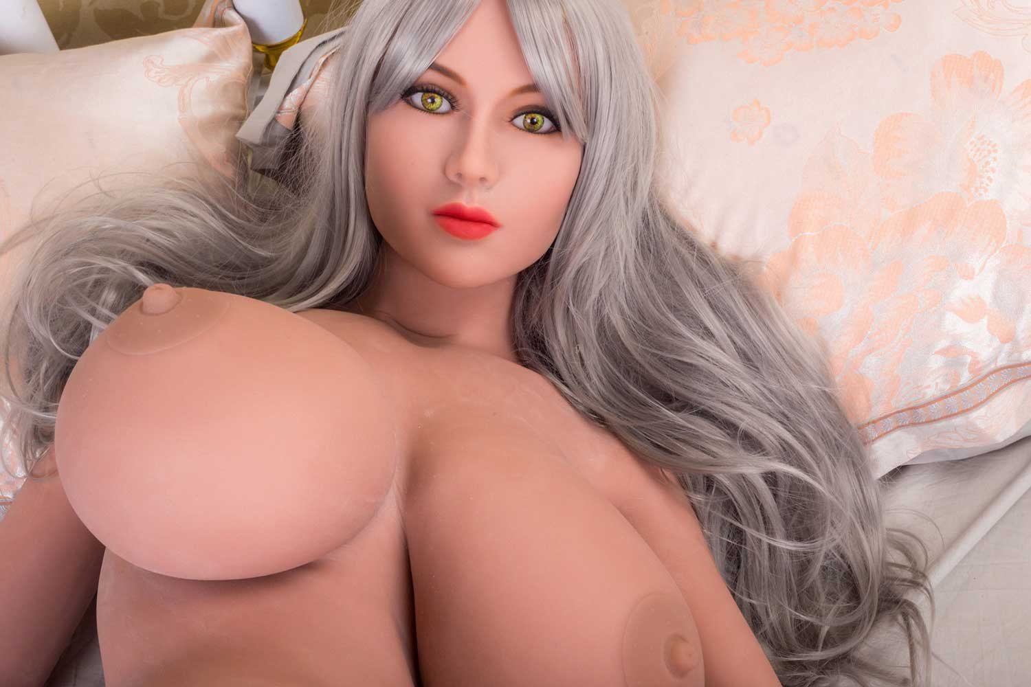 Sex doll with brown nipples