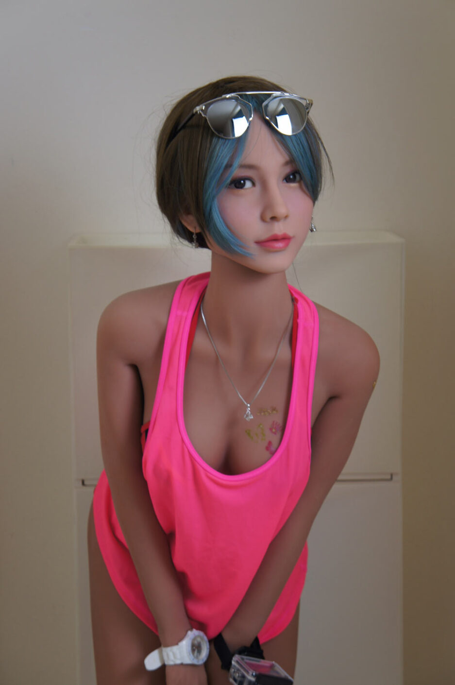 Sex doll with eyes on the head