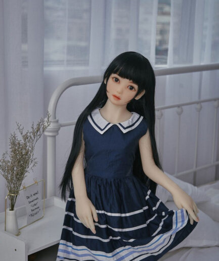 Lifelike Flat Chest Young Girl Looking Sex Doll