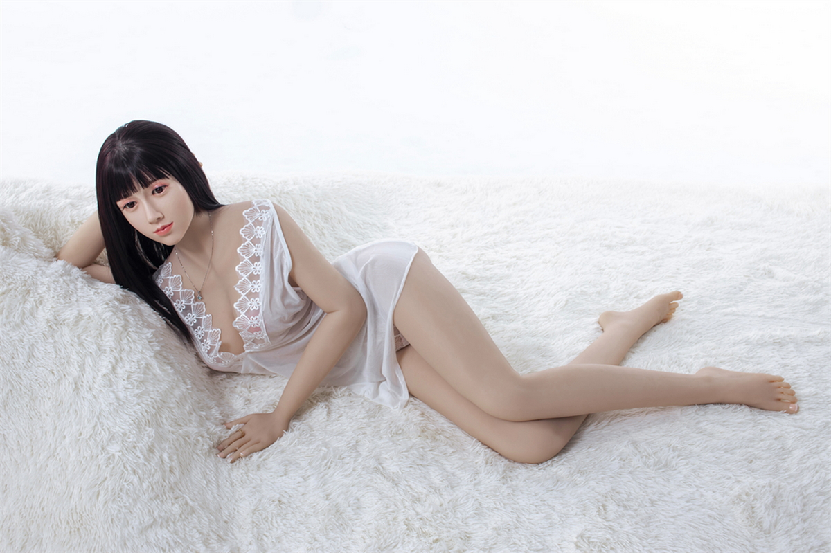chinese housewife sex doll lying